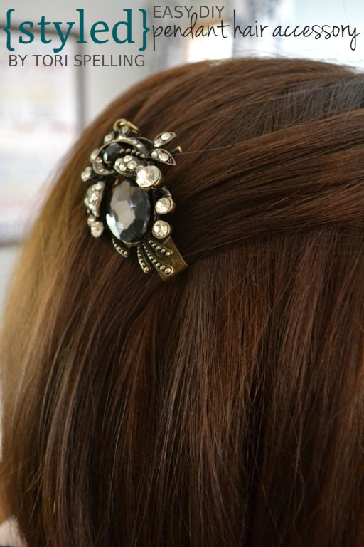 Styled by Tori Spelling DIY hair clip