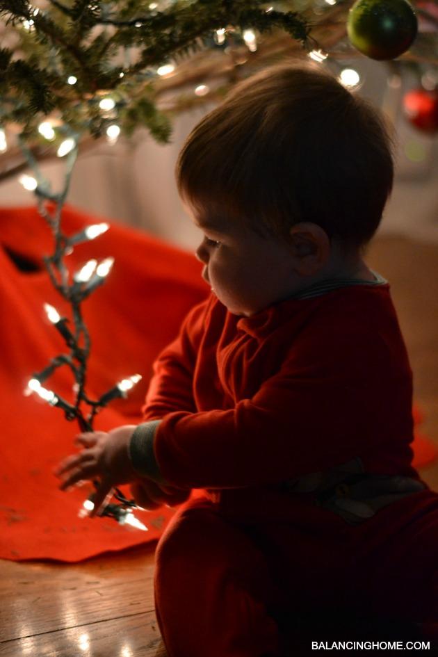 BABY-FIRST-CHRISTMAS-LIGHTS-2