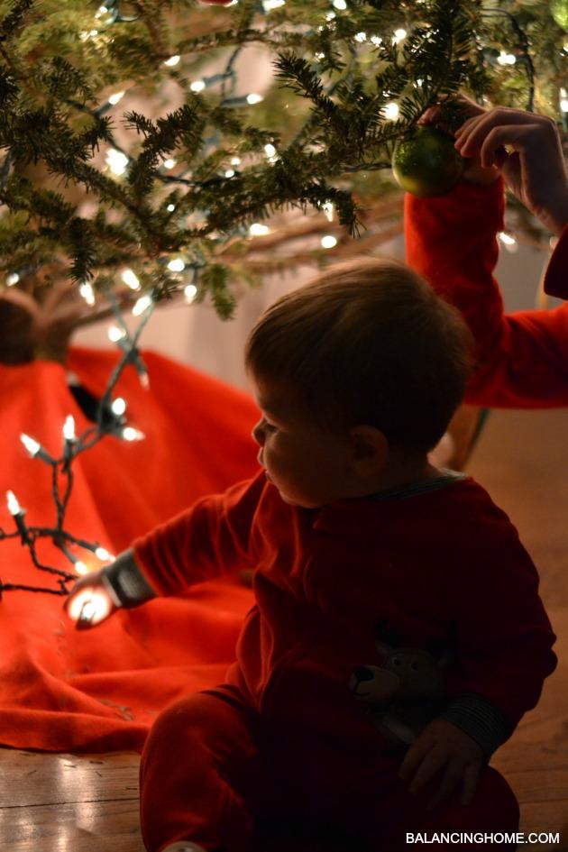 BABY-FIRST-CHRISTMAS-LIGHTS