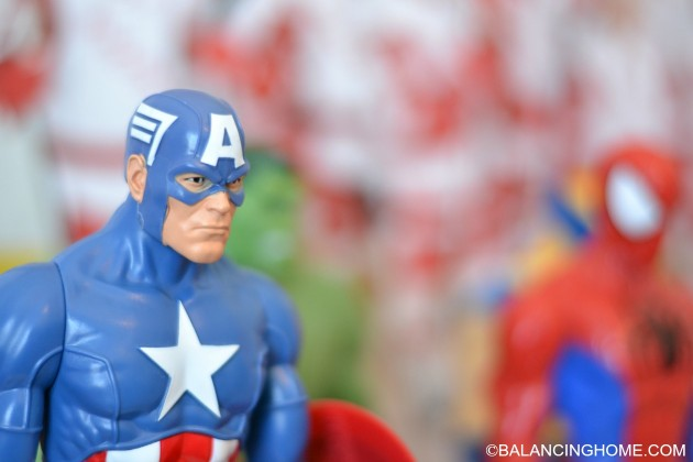 ACTION-FIGURE-BOY-ROOM-CAPTAIN-AMERICA