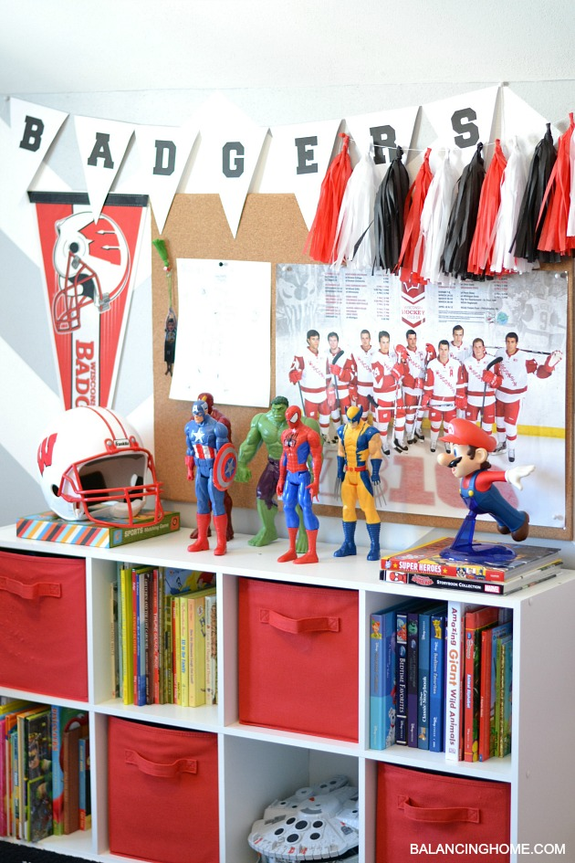 BOY-ROOM-SHELF
