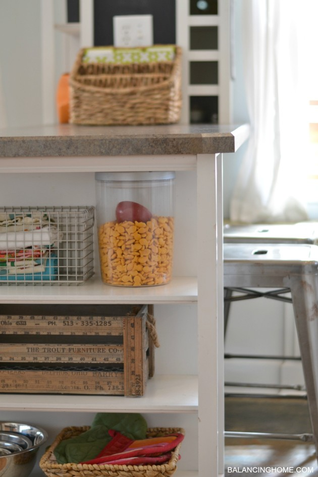 GOLDFISH-KITCHEN-ORGANIZATION