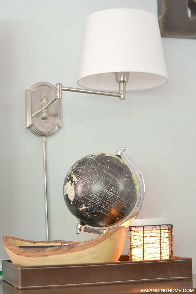 TV-GALLERY-WALL-LAMP