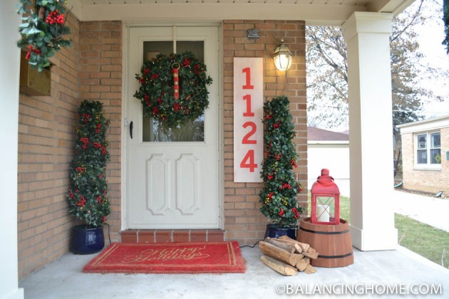 CHRISTMASO-FRONT-PORCH-27