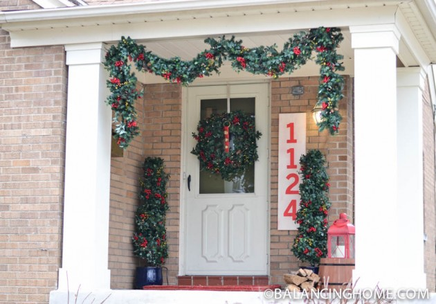 CHRISTMASO-FRONT-PORCH-36