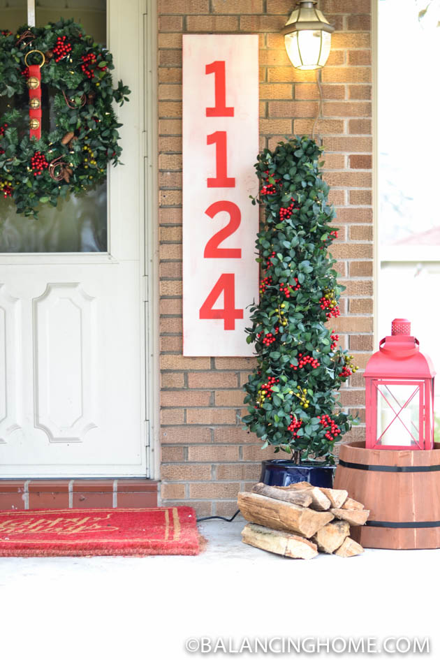 CHRISTMASO-FRONT-PORCH-52