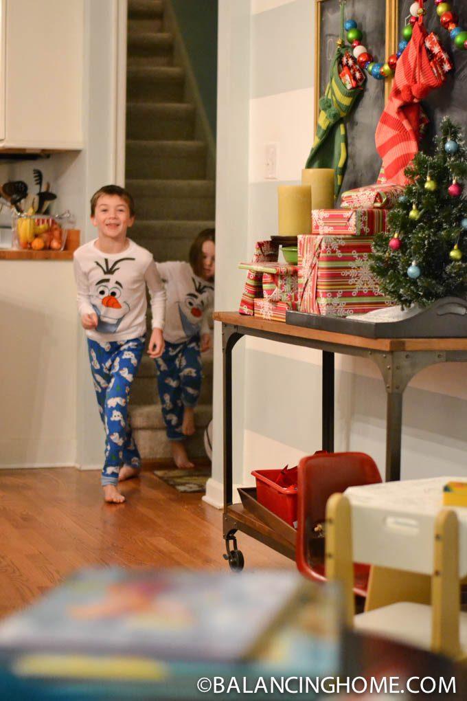 CHRISTMAS-MORNING-TRAVEL-GIFT-1
