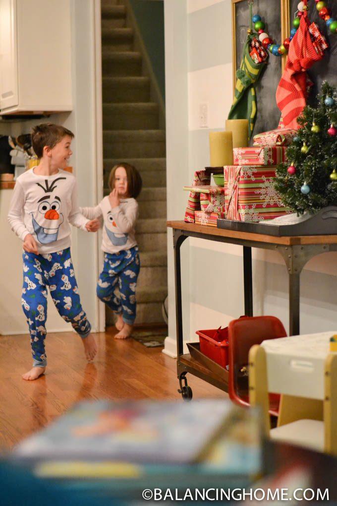 CHRISTMAS-MORNING-TRAVEL-GIFT-2