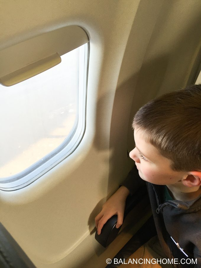 flying-with-kids-10