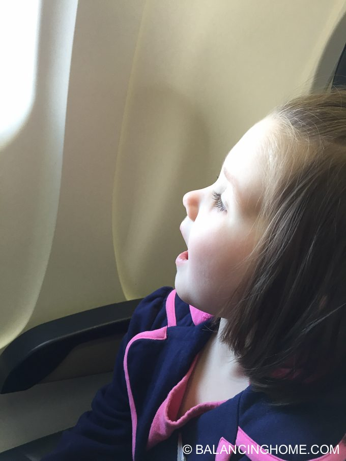 flying-with-kids-11