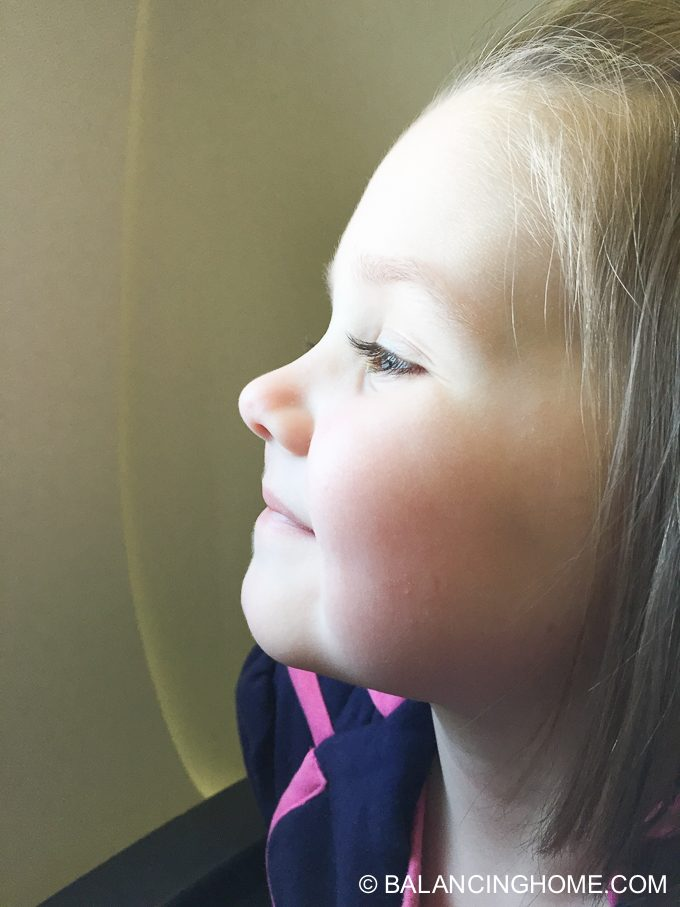 flying-with-kids-12