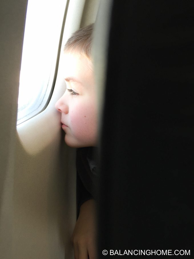 flying-with-kids-13
