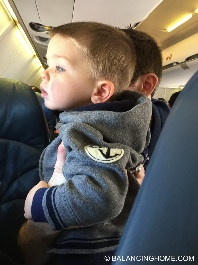 flying-with-kids-17