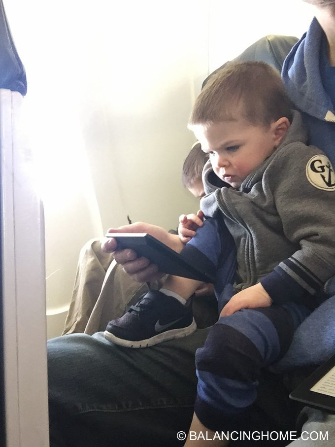 flying-with-kids-19