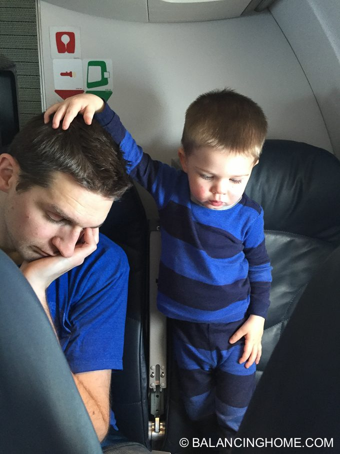 flying-with-kids-28