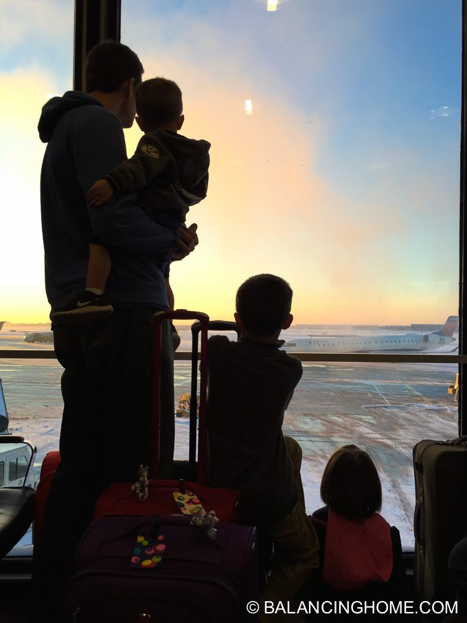 flying-with-kids-3