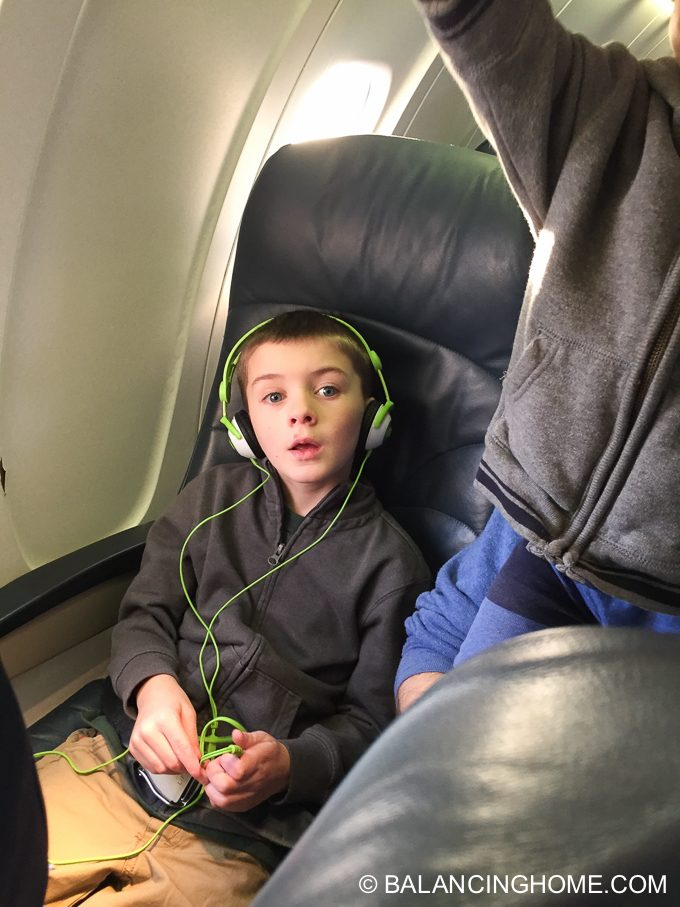 flying-with-kids-6